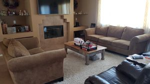 Lazy boy couch and loveseat set for Sale in San Jacinto, CA