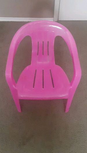 pink kids chair for Sale in McKinney, TX
