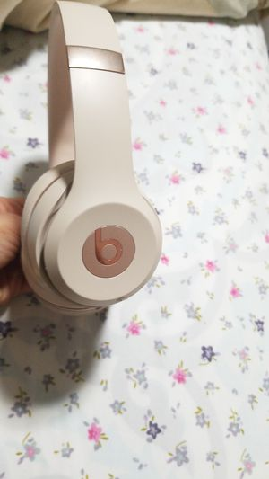 Beats wireless bluetooth Solo3 headphones for Sale in Raleigh, NC
