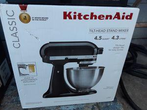 Kitchenaid mixer 4.5qt and attachment for Sale in San Leandro, CA