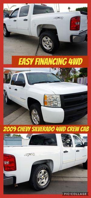 2009 Chevrolet Silverado 4wd Crew Cab LT we finance for Sale in Los Angeles, CA