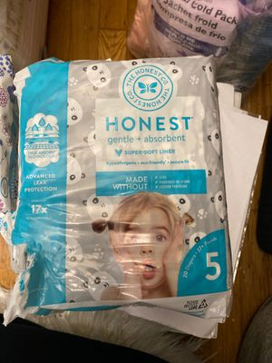 Honest diapers size 5 for Sale in Oakland, CA