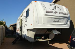 2008 Forest River Cherokee Wolf Pack 5th Wheel for Sale in Mesa, AZ