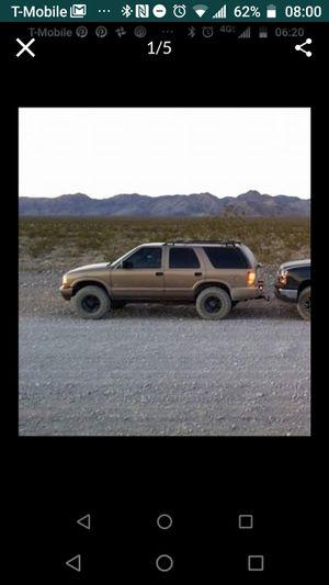 2003 Chevy S10 blazer for Sale in Las Vegas, NV
