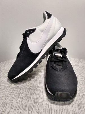 Nike pre-love ox women's running shoe size 6.5 for Sale in Eddington, PA