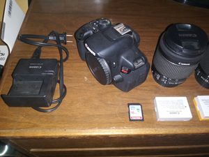 Canon T5i DSLR for Sale in Roseville, CA