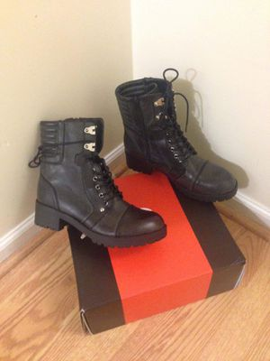 New Guess women boot size 9 pick up at timber dr garner for Sale in Garner, NC