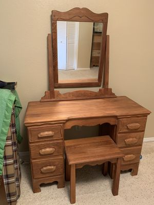 Vintage Maple Vanity, Bench, and Dresser for Sale in Puyallup, WA