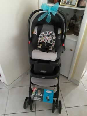 Deal of the day new carseat base and stroller Graco for Sale in Las Vegas, NV