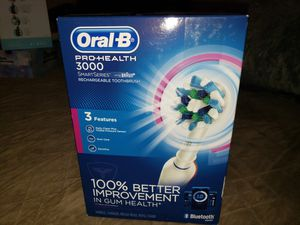 Oral B. Pro health 3000 for Sale in Los Angeles, CA