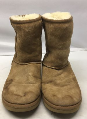 Chestnut Uggs for Sale in Fairfield, IA