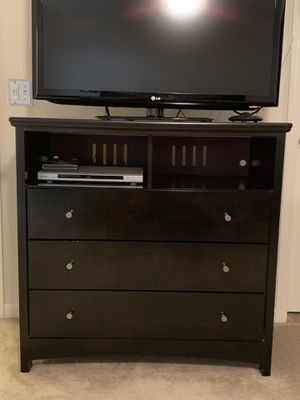 Bedroom set: 6 piece set $1000 for Sale in Joliet, IL