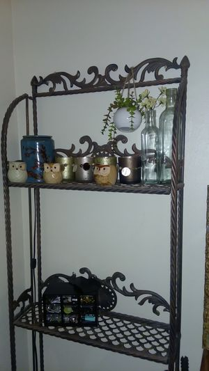 Two/ four shelf metal accent storage/organize for Sale in Tacoma, WA