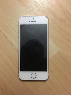 iPhone SE ROSE GOLD for Sale in Gaithersburg, MD