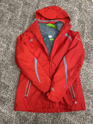 Columbia Omnitech Interchange 3-in-1 jacket includes waterproof winter jacket and inner fleece jacket! Women's medium. Some Small Stains on front of for Sale in Mason, OH