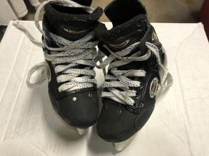 Youth hockey skates. Sz 2.5 for Sale in Santa Clarita, CA