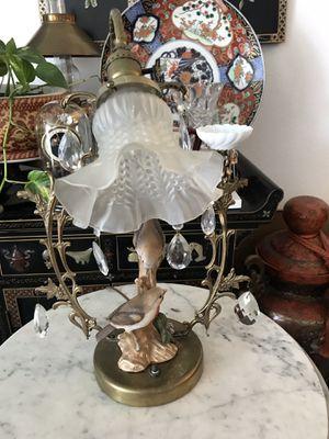 Beautiful lamp for Sale in Altadena, CA