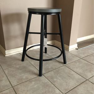 Counter Height Bar Stool for Sale in Bedford, OH
