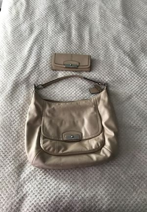 Coach purse with matching wallet for Sale in Phoenix, AZ