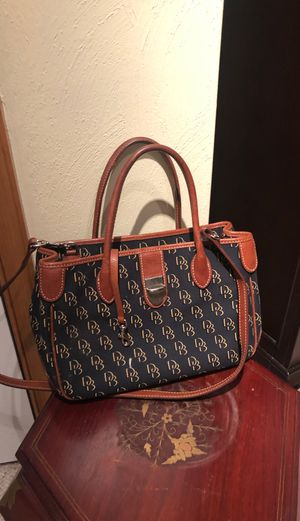 Dooney & Bourke Navy - Brown Leather Purse for Sale in Chesapeake, VA