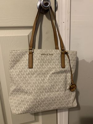 White Michael Kors Tote for Sale in Nashua, NH