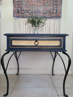 Side Table for Sale in Visalia, CA