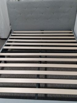 Queen Bed Frame for Sale in Auburn,  WA