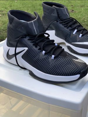 NIKE Clearout Men's shoes size 11.5 for Sale in Renton, WA