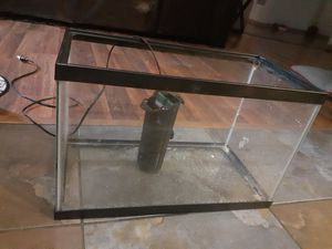 10 gal fish tank for Sale in Mesquite, TX