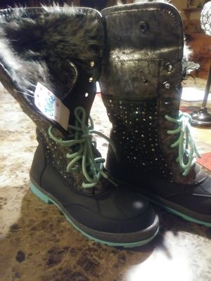 Girls boots size 3m for Sale in Brownsville, TX