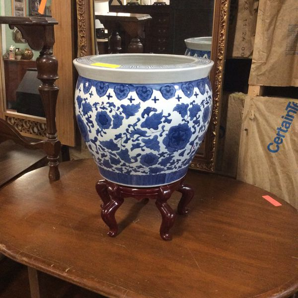 Massive Oriental style Plant pot