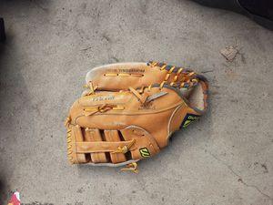 Mizuno softball glove for Sale in Walnut, CA