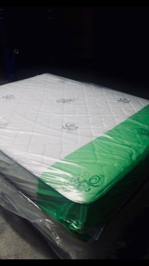 NEW 2 PIECES QUEEN MATTRESS AND BOX SPRING INCLUDED. FREE DELIVERY WPB AREAS 🚚🚚🚚😉 for Sale in Lake Park, FL