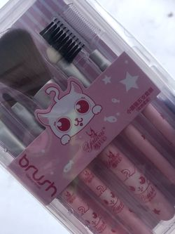Kawaii Pink Make Up Brushes for Sale in Bay Shore,  NY