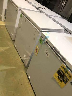 Chest Freezer Liquidation 0WI3 for Sale in Riverside, CA