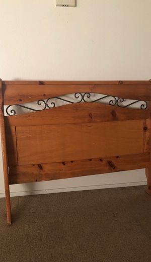 Queen bed frame for Sale in Merced, CA