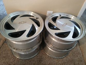 """4- CHEVY RIMS 16"""" Silver- BEST OFFER- selling together ASAP!!!! for Sale in Portland,  OR"""