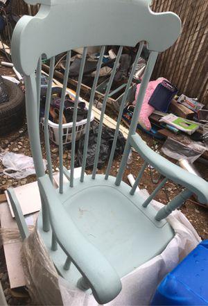 Antique Rocking chair for Sale in Tucson, AZ