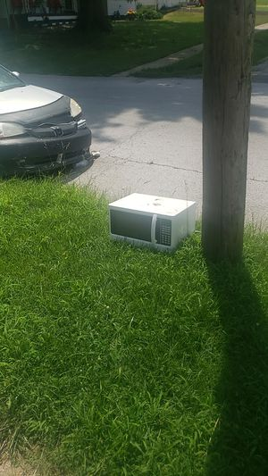 Scrapers free at curb microwave for Sale in Kansas City, MO