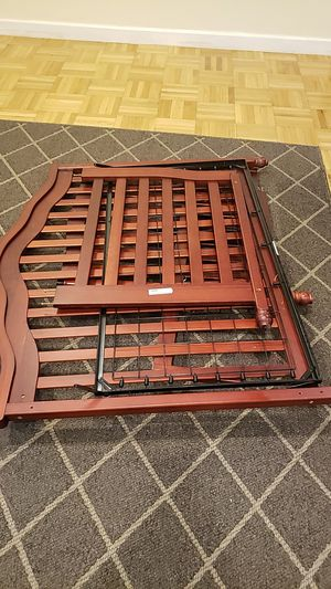 Free crib/toddler bed combo for Sale in Miami, FL