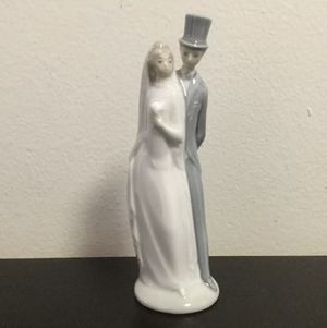 NAO by LLADRO Bride & Groom Porcelain Figurine Just Married Wedding Cake Topper for Sale in Brooklyn, NY