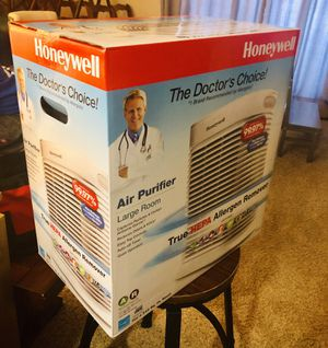 Honeywell HEPA air purifier Allergen remover large retail $200 for Sale in San Diego, CA
