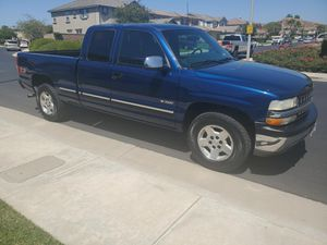 Chevy Silverado 4x4 Z71 2000 for Sale in Corona, CA