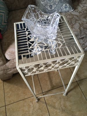 Good med table for Sale in Highland, CA