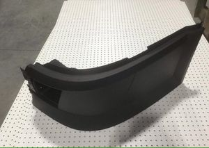 🆕🆕🆕🔝🔝🔝 VOLVO VNL CORNER BUMPER WITH HOLE LEFT ⬅️ DRIVER SIDE 🔝🔝🔝🆕🆕🆕 for Sale in Fontana, CA