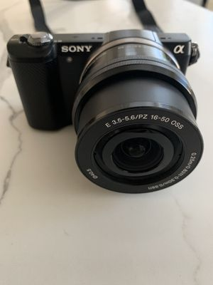 Sony a5000 and 128GB SanDisk memory for Sale in Corona, CA