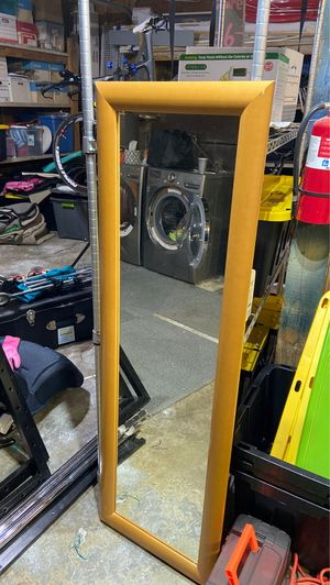 Wall mirror for Sale in Issaquah, WA