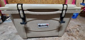 Grizzly coolers 40 for Sale in Crosby, TX