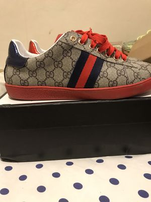 Gucci beige GG supreme Ace Sneakers for Sale in East Norriton, PA