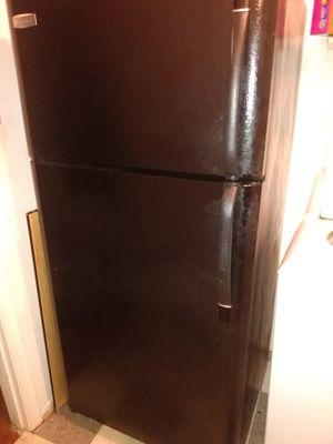 Refrigerator Frigidaire for Sale in Hyattsville, MD